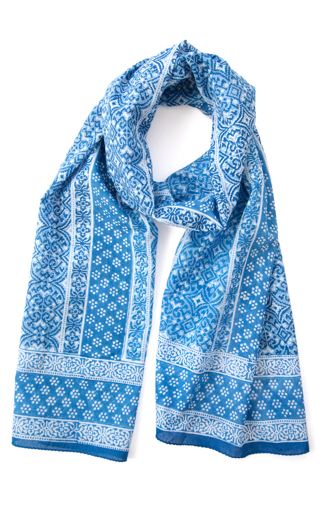 Scarf in Woven Blue