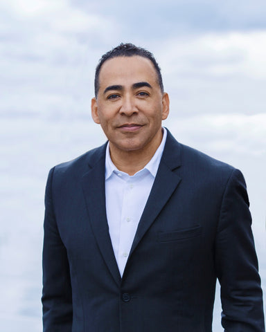 MEET TIM STOREY WORLD - RENOWNED MOTIVATIONAL & INSPIRATIONAL SPEAKER
