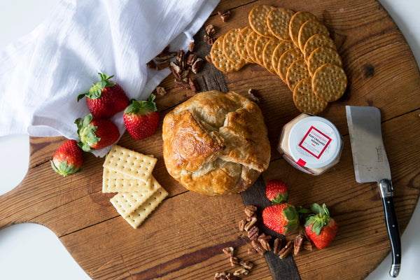 PERFECT PAIRINGS | Strawberry Baked Brie with Toasted Pecans