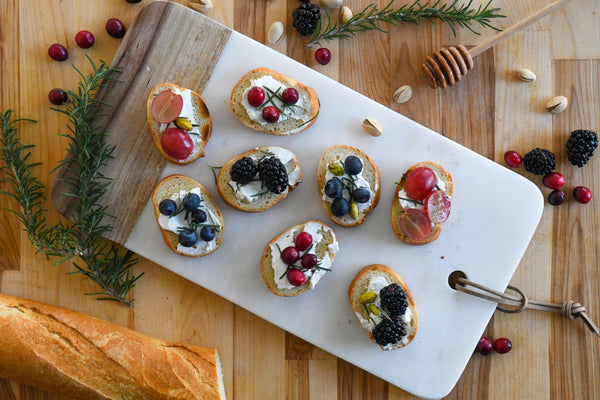 PERFECT PAIRINGS | Raw Creamed Honey Crostini