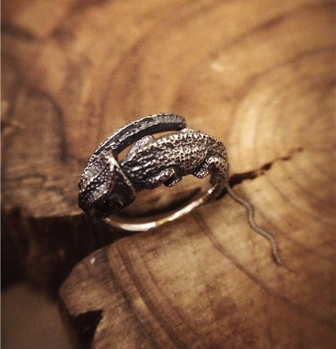 Handcrafted Chameleon Silver Ring - Holy Buyble