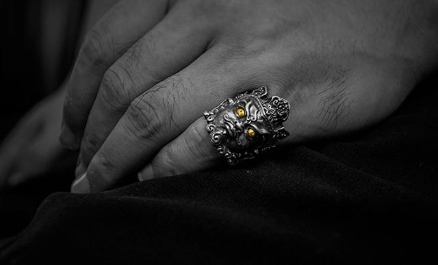 Mahākāla God of Fortune Silver Ring 24K Gold Eyes - Holy Buyble