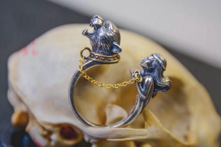 🐆 Panther Woman Warrior Ring 🐆 - Holy Buyble