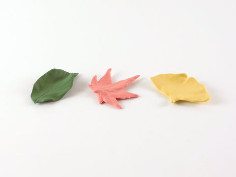 Ceramic Japan Leaf Chopstick Rest