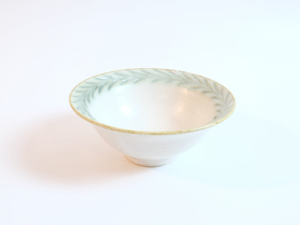 Load image into Gallery viewer, Laur Series Rimmed Bowl by Mishio Suzuki