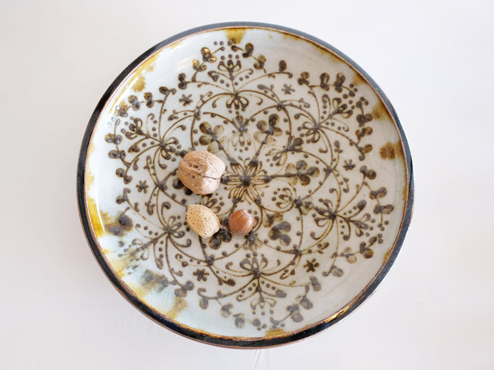 Load image into Gallery viewer, Large Icchin Patterned Plate by Aya Kondo