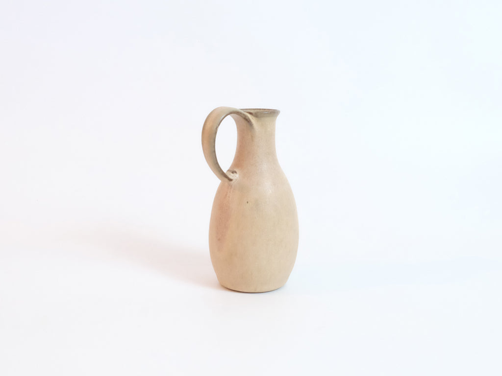 Small Flower Vase by Marumi Kujirai
