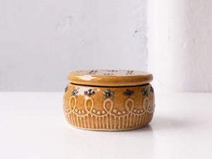 Caramel Coloured Pot with lid by Monika Furuya
