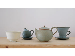 Kumidashi, Teapot, Milkpitcher and Coffee Dripper