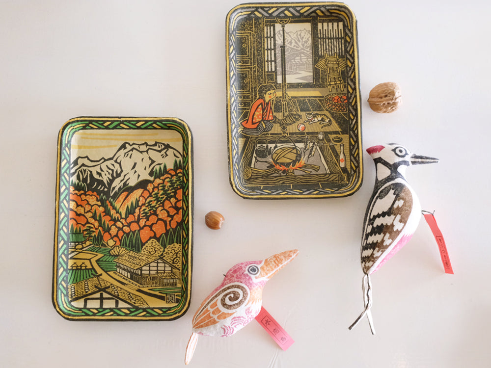 Paper Tray with Ruddy Kingfisher and Woodpecker