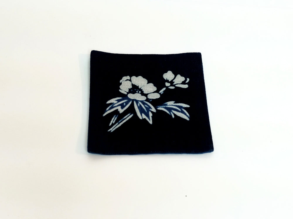 Load image into Gallery viewer, Koso-En Natural Indigo Dyed Coaster