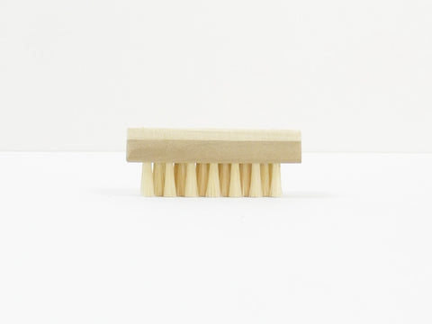 Uno Hake Body brush for Nail made of White pig hair