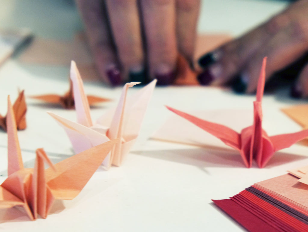 Making crane with Japan Red Origami set