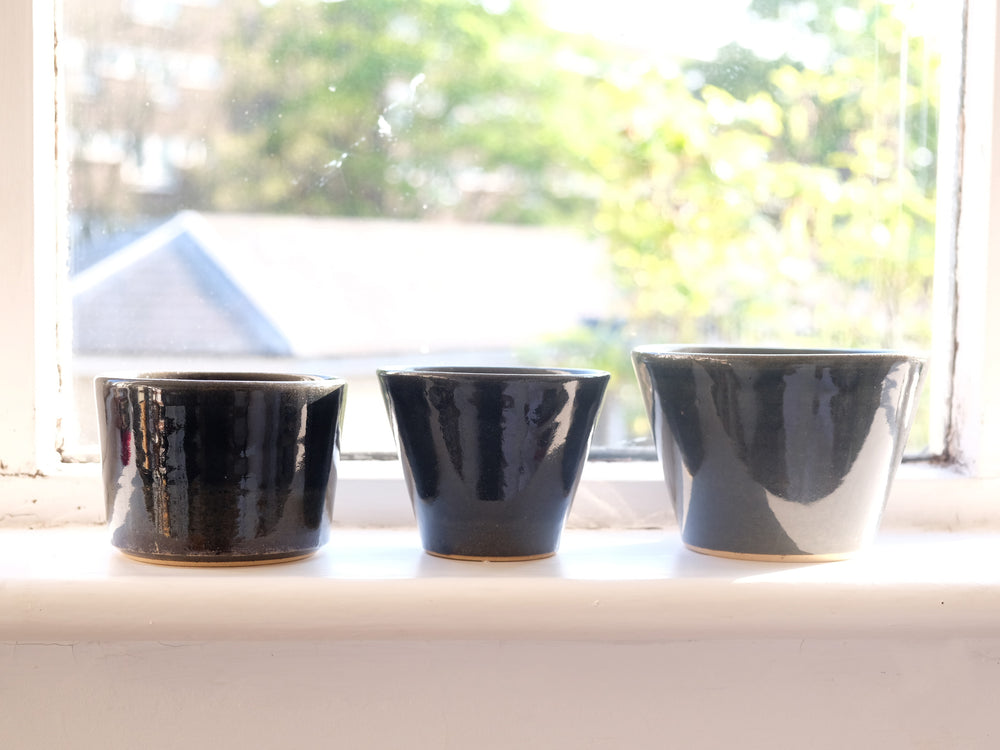 Load image into Gallery viewer, Indigo Glaze Bowls by Shussai-gama