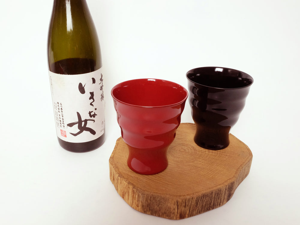 Load image into Gallery viewer, Ridged Wajima Lacquerware Cup by Tohachiya