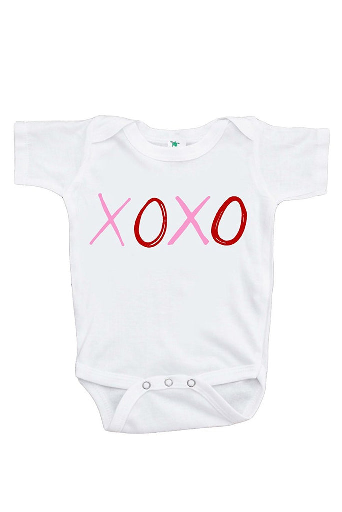 7 ate 9 Apparel Unisex Baby's XOXO Kisses and Hugs Valentine Onepiece