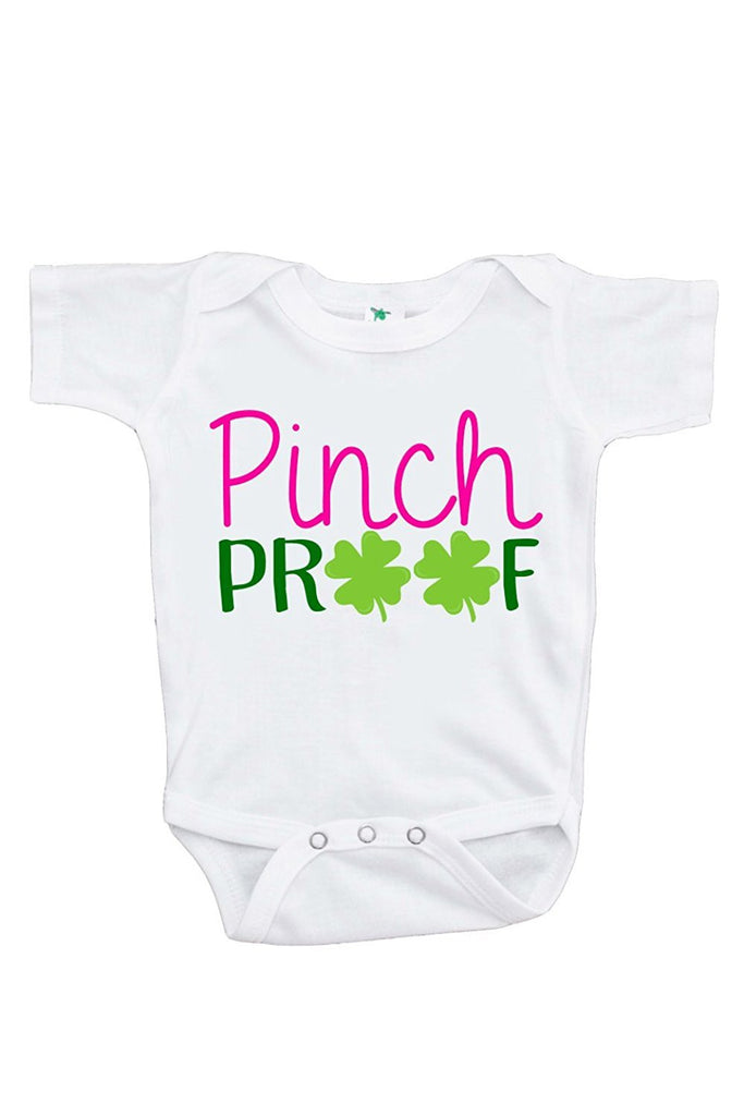 7 ate 9 Apparel Unisex Baby's Novelty Pinch Proof Clover St. Patricks Day Onepiece