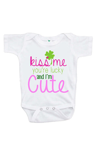 Custom Party Shop Unisex Baby's Novelty Kiss Me I'm Irish St. Patricks Day Onepiece