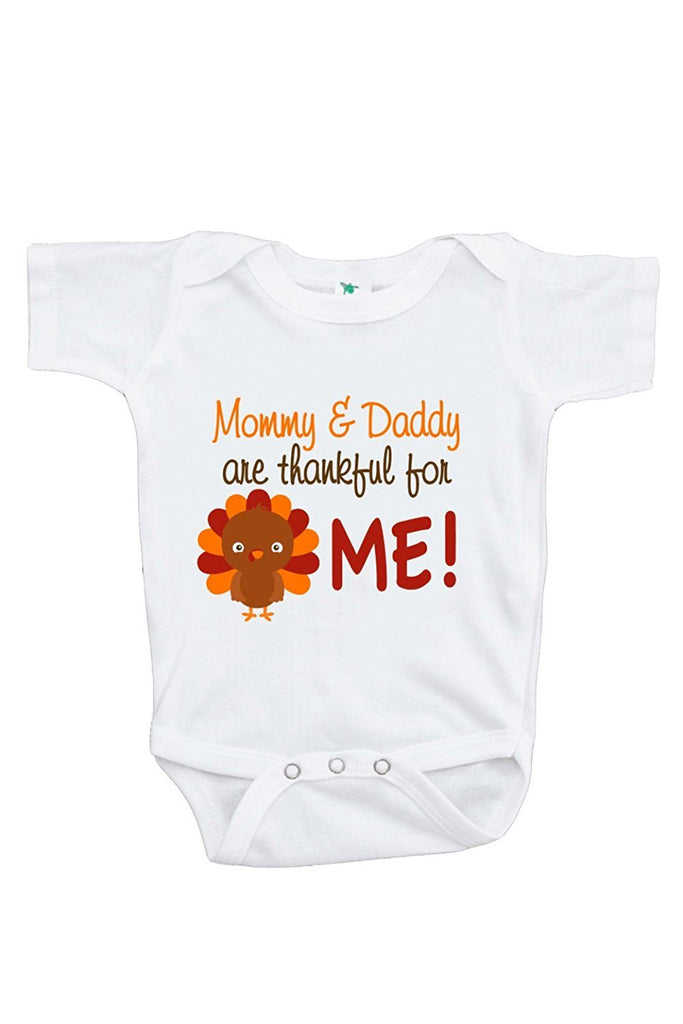 7 ate 9 Apparel Unisex Baby Mommy & Daddy Are Thankful For Me Onepiece