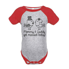 7 ate 9 Apparel Baby's Just Married Wedding Raglan Onepiece