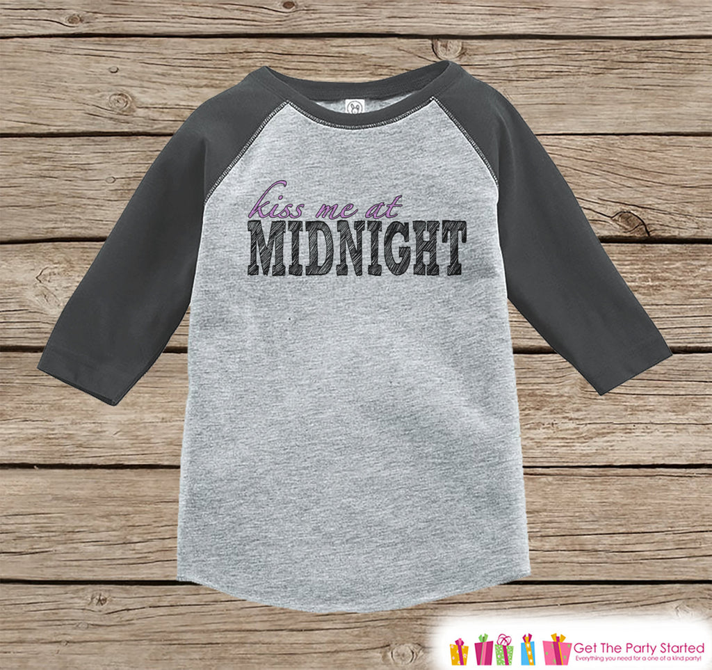 Kiss Me At Midnight - 2017 New Years - 1st New Years Eve Onepiece or Shirt - New Year Outfit for Baby - Grey Baseball Tee - Grey Raglan