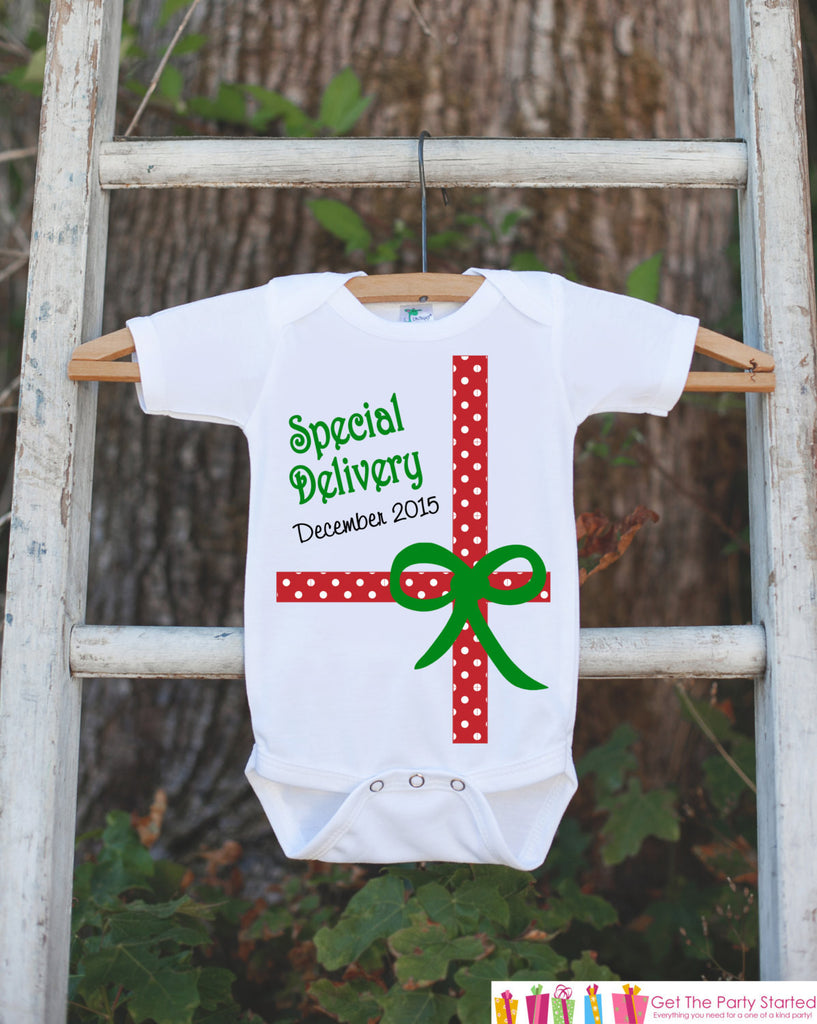 Christmas Outfit - Special Delivery Christmas Onepiece - Newborn Christmas Outfit - Christmas Baby Birth Announcement - Christmas Gift - 7 ate 9 Apparel
