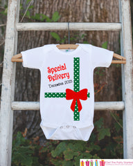First Christmas Outfit - Special Delivery Christmas Onepiece - Baby's First Christmas - Christmas Baby Birth Announcement - Novelty Outfit - 7 ate 9 Apparel
