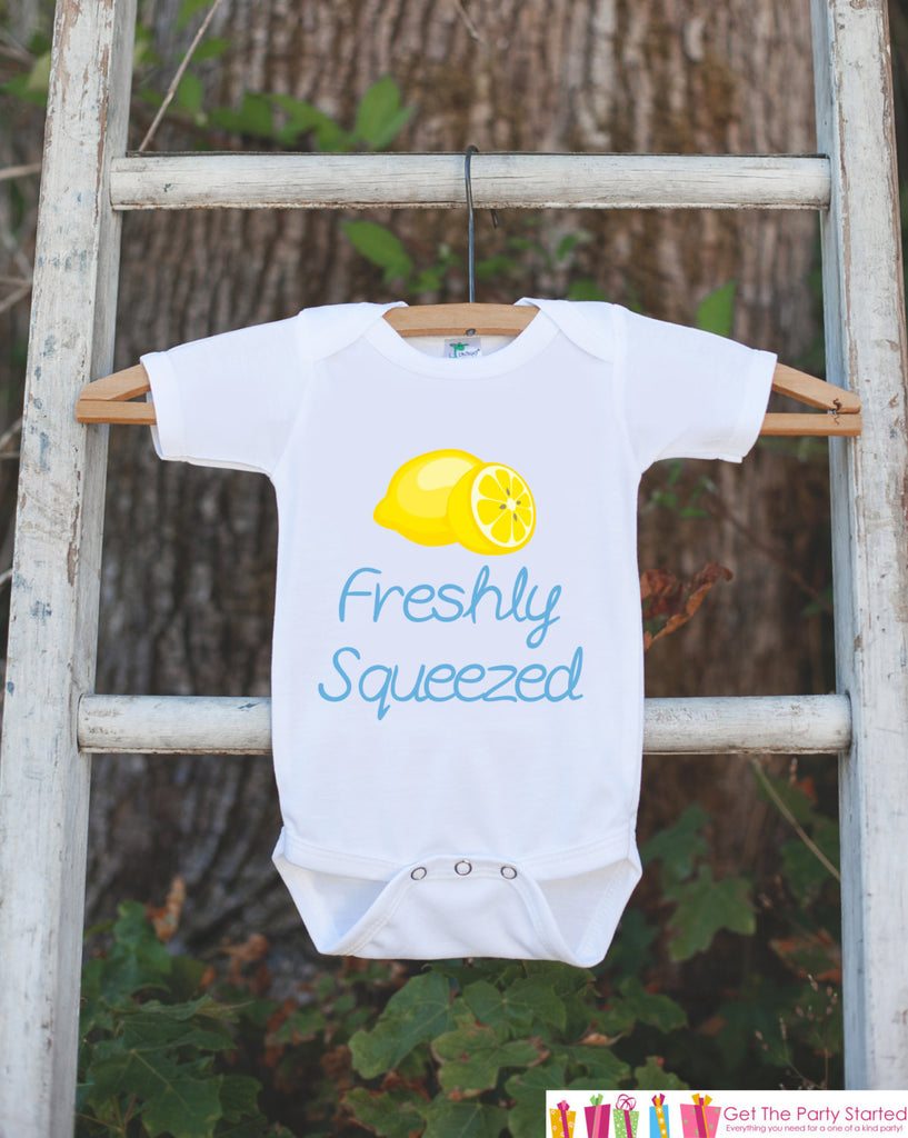 Freshly Squeezed Onepiece - Blue Lemon Bodysuit for Newborn Baby Boys - Infant Boy Outfit - Boy Baby Shower Gift Onepiece - It's a Boy - 7 ate 9 Apparel