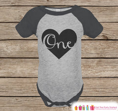 Kids 1st Birthday Outfit - One Grey Raglan Shirt - First Birthday Onepiece For Girl or Boy's Birthday Party - Birthday Tee - Black Heart - 7 ate 9 Apparel