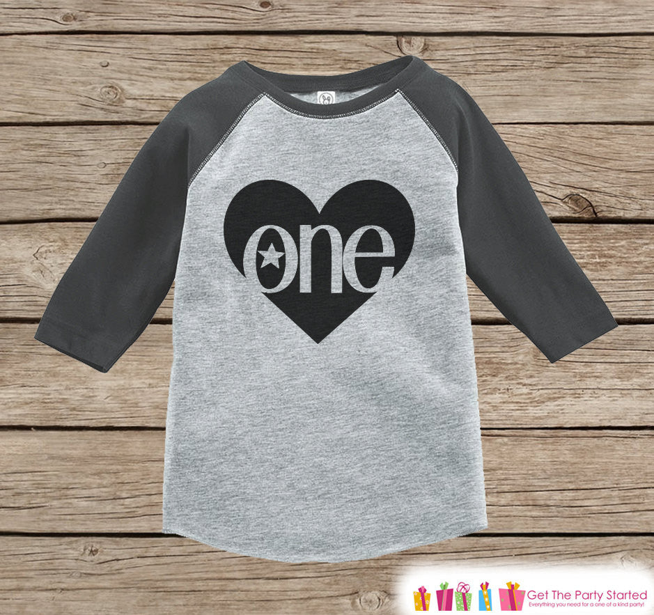 Kids First Birthday Outfit - One Grey Raglan Shirt - 1st Birthday Onepiece For Girl or Boy's Birthday Party - Birthday Tee - Black Heart - 7 ate 9 Apparel