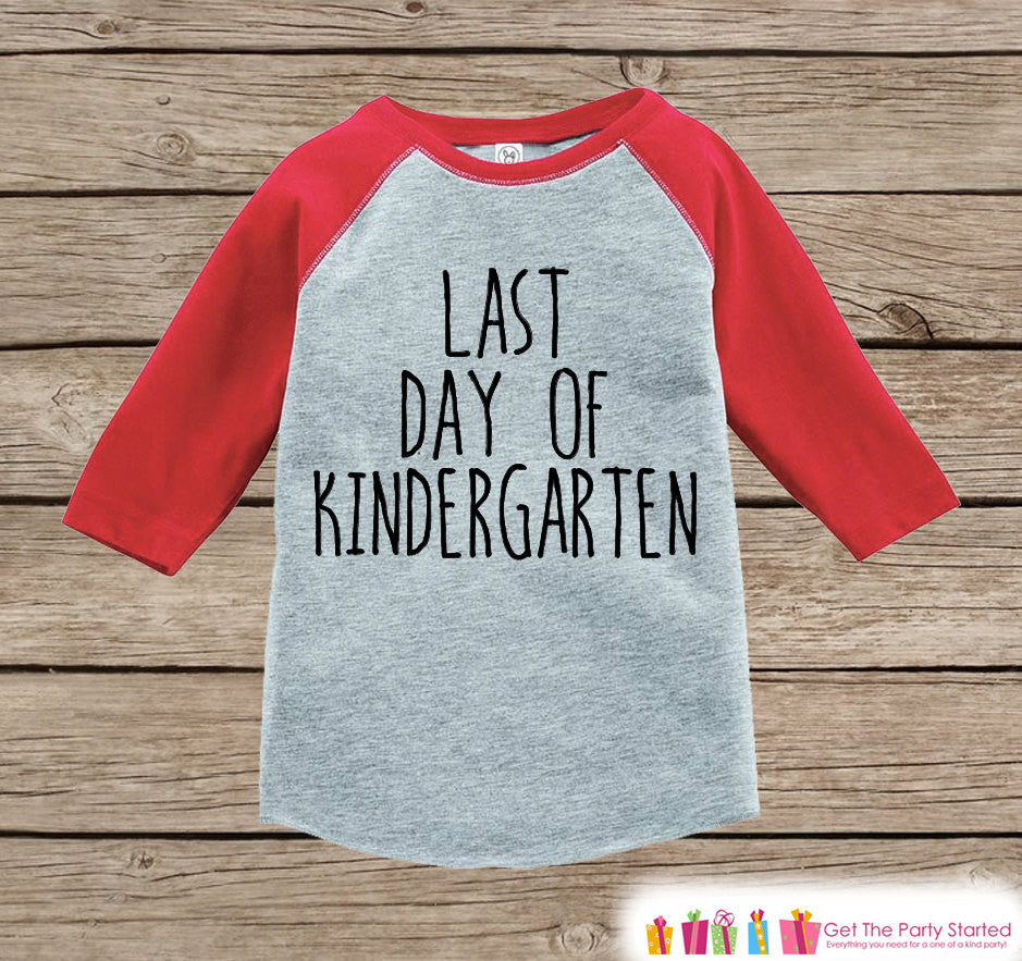 Kindergarten Graduation - Red Raglan - Last Day of Kindergarten Outfit - Kids Kindergarten Shirt - Last Day of School - Girls or Boys Tshirt - 7 ate 9 Apparel