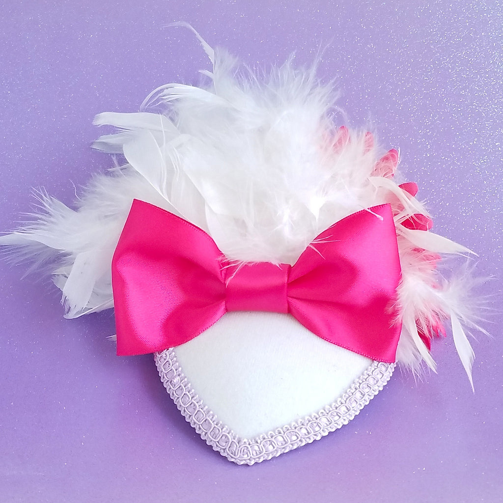Daisy duck fascinator hat with feathers. For disney dapper day, costume, cosplay or disneybound.