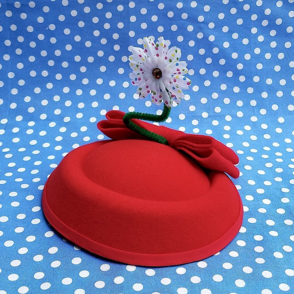 Vintage mouse style red pillbox sailor hat with daisy. For minnie costume, cosplay, disneybound or disney dapper day. Pin up fascinator by hat and mouse.