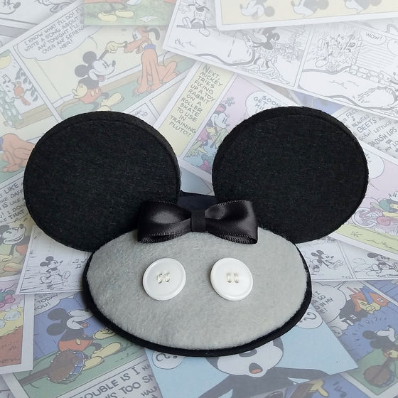 Mickey ears fascinear fascinator in grey and black for disney dapper day, disneybound, steamboat willie costume copsplay by hat and mouse.