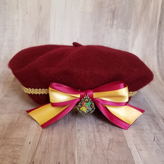 Hogwarts school winter beret hat in burgundy gryffindor colors.