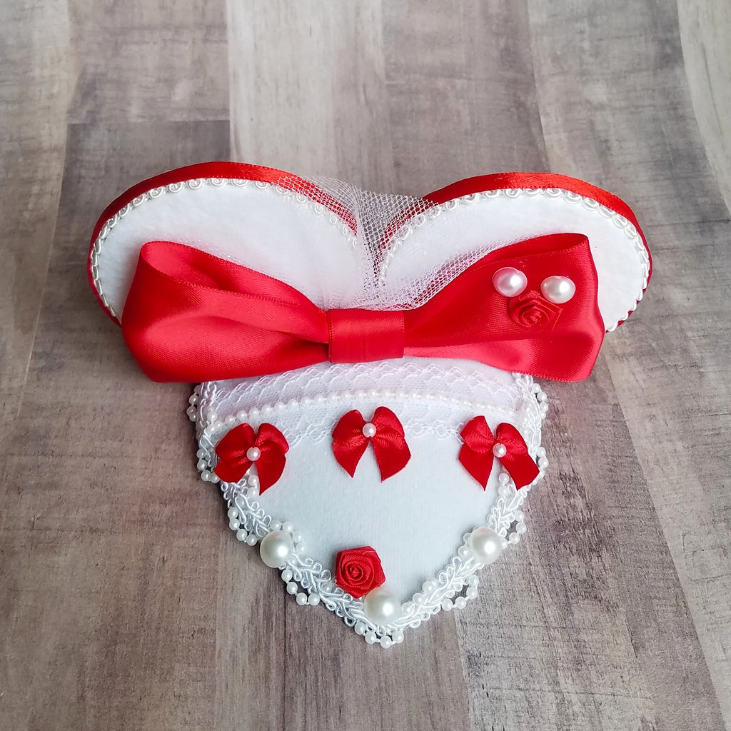 Mary Poppins Jolly Holiday mouse ear fascinator hat in white and red for disney cosplay, costume, dapper day or disneybound.