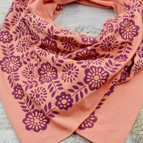 Wholesale - Coral bamboo scarf with hand-printed violet Barcelona pattern