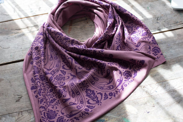 Wholesale - Soft purple bamboo scarf with hand-printed Peacock pattern. MES-032