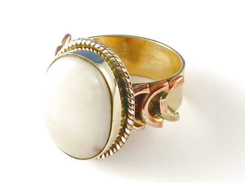 Design 112748 Jewelry Shop Oval Mother Of Pearl .925 Sterling Silver Jewelry Ring Size 8