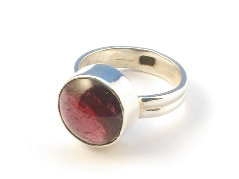 Design 113002 Jewelry Store Round Garnet .925 Sterling Silver Jewelry Ring Size 6