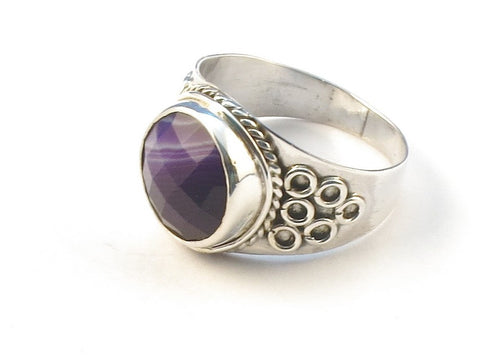 Design 113067 Lovely Round Purple Banded Agate .925 Sterling Silver Jewelry Ring Size 7