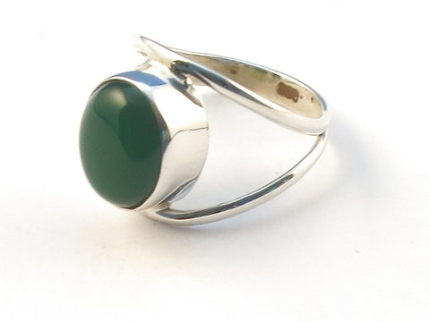 Design 113229 Fair Trade Oval Green Onyx .925 Sterling Silver Jewelry Ring Size 7