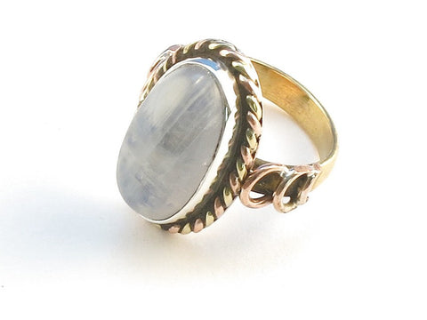 Design 114246 Made By Hand Oval Rainbow Moonstone .925 Sterling Silver Jewelry Ring Size 9