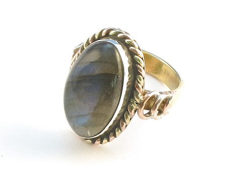 Design 114340 Glistening Oval Labradorite .925 Sterling Silver Jewelry Ring Size 6
