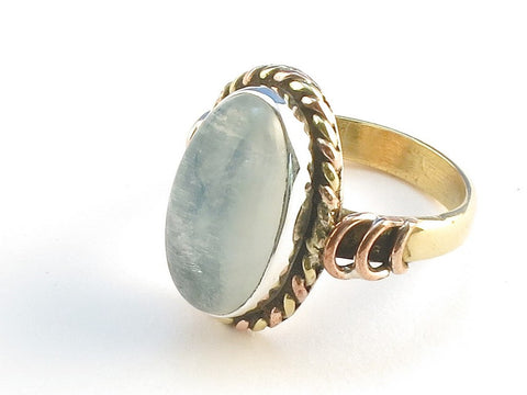 Design 114516 Made By Hand Oval Blue Rainbow Moonstone .925 Sterling Silver Jewelry Ring Size 7