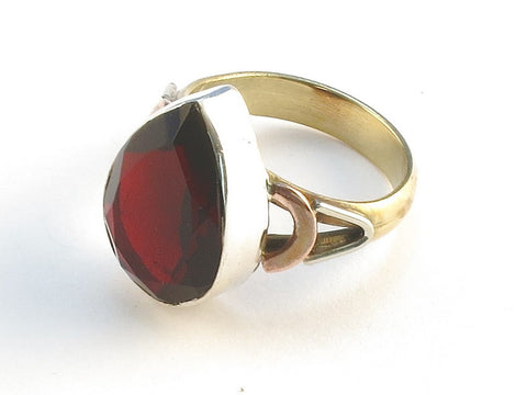 Design 114839 Glistening Pear Garnet .925 Sterling Silver Jewelry Ring Size 6