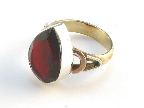 Design 114842 Handcrafted Pear Garnet .925 Sterling Silver Jewelry Ring Size 9