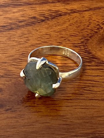 Ring, Labradorite Faceted Oval Boho Hippie Gemstone Ring Size 6.5, Sterling Silver (.925) 4 Grams, Rings Band With Stone Gifts for Women