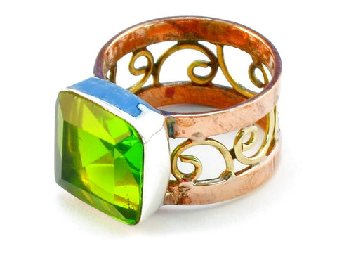 Design 110754 peridot .925 Sterling Silver Ring Size 8