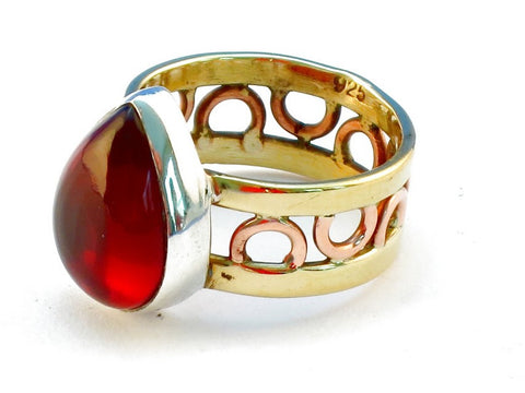 Design 111231 garnet .925 Sterling Silver Ring Size 8